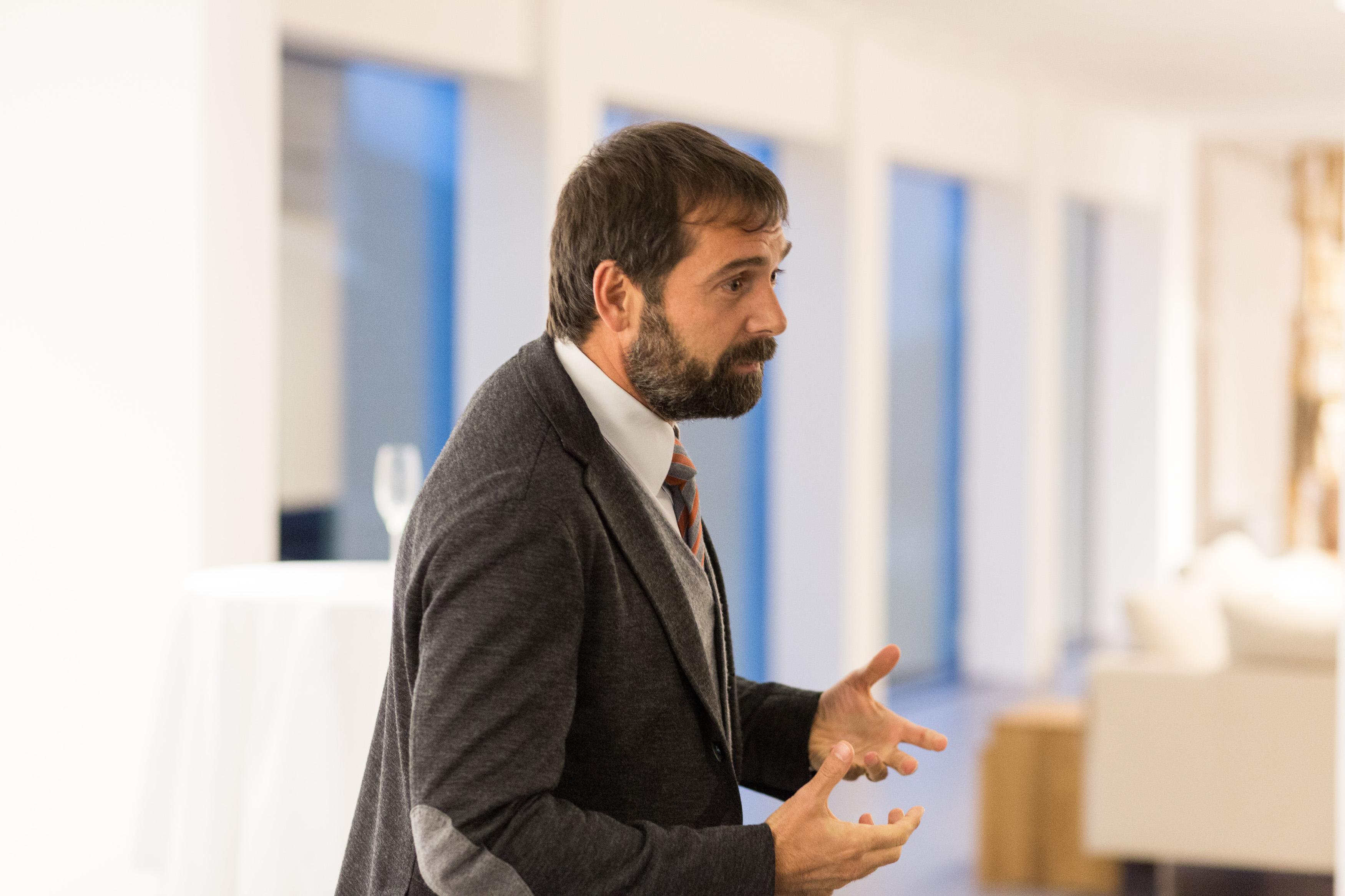 Beratung, Begleitung und Trainung z.B. durch Prof. (FH) Dott. Markus Weishaupt, Senior Berater und Geschäftsführender Gesellschafter von Weissman International